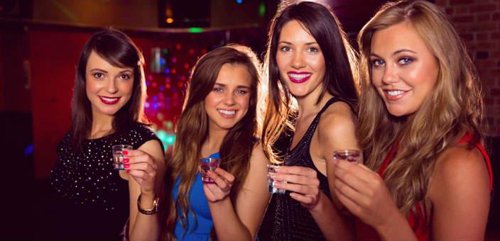 Meeting Women Inside A Group In Nightclubs